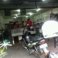 Photo taken at Mie Pasar Baru Jakarta by Ardi S. on 1/1/2013