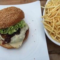 Das Foto wurde bei The Burger Bar von Heiko ⁂. am 6/14/2015 aufgenommen