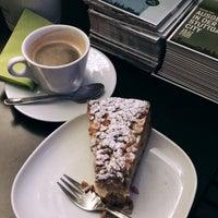 Photo prise au Holzapfel Cafe | Bar par Rainer B. le11/12/2016