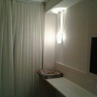 Foto tirada no(a) Vernon Palace Hotel Curitiba por Katherine A. em 3/30/2013