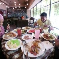 Photo taken at Endah Kopitiam by Nur S. on 3/6/2016