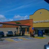 Foto tomada en Walmart por 2creatives el 9/19/2013