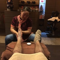 Photo taken at Bath Culture Foot Therapy by Monsieur on 6/15/2017