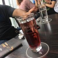 Das Foto wurde bei Chocolat Grand Café von Ahmed H. am 7/30/2018 aufgenommen