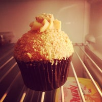 Photo taken at The Original Cupcake by DinhuWilliams on 3/14/2013