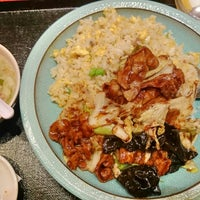 Photo taken at 香港酒家 小皿料理 龍記 by くわ on 5/30/2014