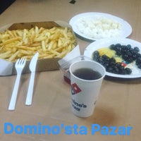 Photo taken at Domino's Pizza by Doğukan Mesut T. on 11/20/2016