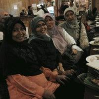 Photo taken at Cibiuk - Rumah Makan Khas Sunda by Findi A. on 9/19/2012