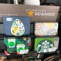Foto tirada no(a) Starbucks por Kathie H. em 4/3/2018