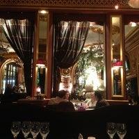 Foto tirada no(a) Grand Café des Négociants por Capt_mm K. em 3/10/2013
