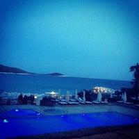 Das Foto wurde bei Alaçatı Beach Resort von O E. am 6/10/2013 aufgenommen