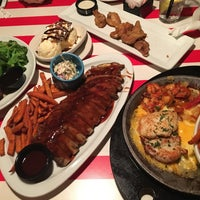 Photo taken at TGI Fridays by Maggie L. on 4/8/2017