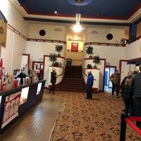 Foto tirada no(a) Admiral Theater por Melissa D. em 1/29/2018