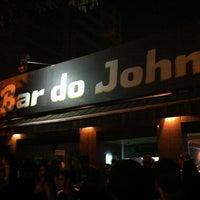 Foto tirada no(a) Bar do John por Vinicera . em 2/17/2013