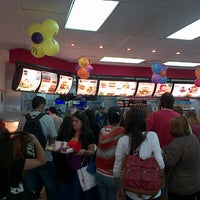 Foto tomada en McDonald's por Vicky I. el 4/20/2013