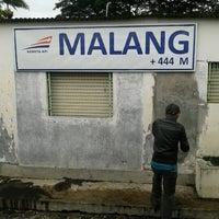 Photo taken at Stasiun Malang Kotabaru by Pandu Suryo W. on 1/7/2013