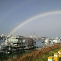 Photo taken at Han River Bicycle Path 한강 자전거도로 by Vanessa G. on 11/30/2014