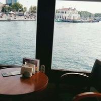 Foto tirada no(a) İstanbul Kitap Kafe por Nazlı S. em 9/16/2018