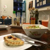 Foto tirada no(a) Petit Empanadas por Caio C. em 8/20/2015