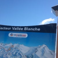 Photo taken at Secteur Vallée Blanche (2100 M) by Tim on 2/19/2013