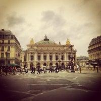 Foto tirada no(a) Place de l'Opéra por Mathieu M. em 10/6/2012