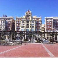 Foto diambil di Plaza de la Marina oleh Bukla T. pada 3/15/2013