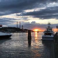 Photo taken at Wave Seafood Kitchen by Didem Ö. on 6/28/2017