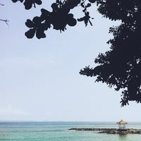 Photo taken at Pantai Candidasa by Ote Tatsuya on 4/3/2013