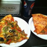 Photo taken at Pizzaria Francesco's by ketamuyo on 5/2/2014