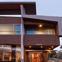 Photo taken at Elan Hotel by Dean P. on 5/7/2013