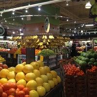 Foto tomada en Whole Foods Market por younga el 2/22/2013