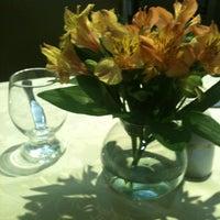 Foto tirada no(a) Hotel San Raphael por Miriam T. em 10/6/2012
