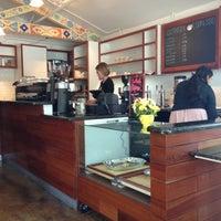 Foto tirada no(a) Southside Espresso por Michael B. em 10/27/2012