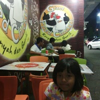 Photo taken at Giant Fried Chicken by Sigit S. on 8/11/2013