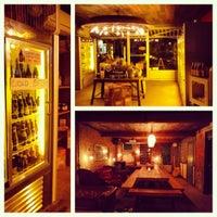 11/3/2012 tarihinde Emily W.ziyaretçi tarafından Alphabet City Beer Co.'de çekilen fotoğraf