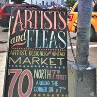 Foto tomada en Artist & Fleas por Emily W. el 6/22/2013