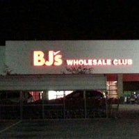 Photo taken at BJ's Wholesale Club by Kirk M. on 9/2/2015