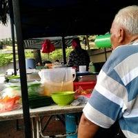 Photo taken at Gerai Pak Haji Tepi Doubletree by Zai N. on 10/28/2015
