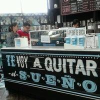 Foto tomada en Cielito Querido Café por Adri A. el 3/21/2013