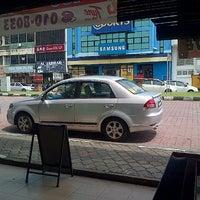 Photo taken at Jalan Pekan Baru by FL.iskandar on 11/10/2013