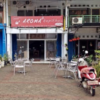 Photo taken at AROMA kopithua by Sheila D. on 7/26/2014