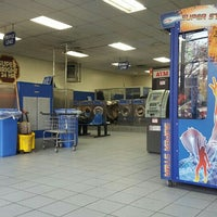 Photo taken at Super Bright 24 Hour Laundromat by Nona R. on 11/25/2015