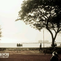 Photo taken at Fort Kochi Beach by Jithin S. on 3/31/2013