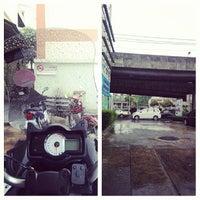 Photo taken at บางจาก แยกผังเมือง by กฤช ส. on 7/20/2013