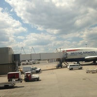 Photo taken at Gate E7B by Agust B. on 6/19/2013