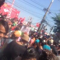 Photo taken at ตลาดสดพระประแดง by Chaiyarin N. on 4/21/2013