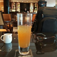 Foto tirada no(a) Le Royal Club Lounge por Franco M. em 3/21/2016