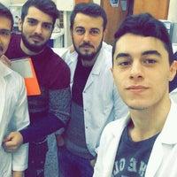 Photo taken at SDÜ Çevre Mühendisliği Su ve Atıksu Laboratuvarı by Ramazan G. on 12/20/2016
