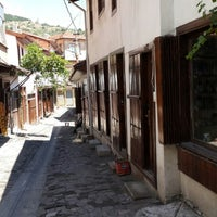 Photo taken at İskilip Dikiciler Arastası by Timuçin . on 7/31/2014