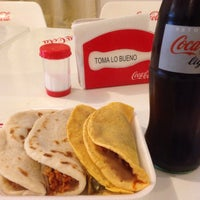 Photo taken at Tacos El Venao by Marizpe R. on 1/18/2017